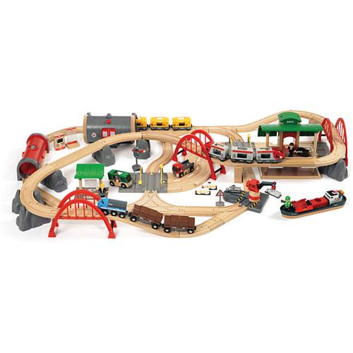brio deluxe railway set toys et cetera. Black Bedroom Furniture Sets. Home Design Ideas